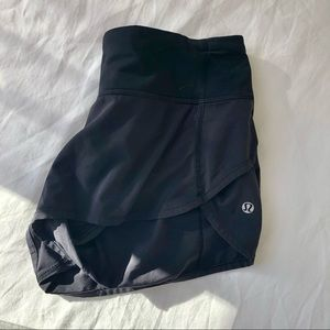 LULULEMON BLACK RUNNING SHORTS